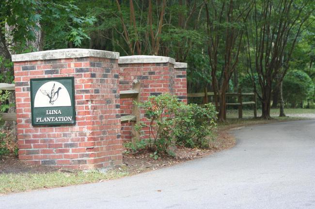Luna Plantation Tallahassee Neighborhood Entrance