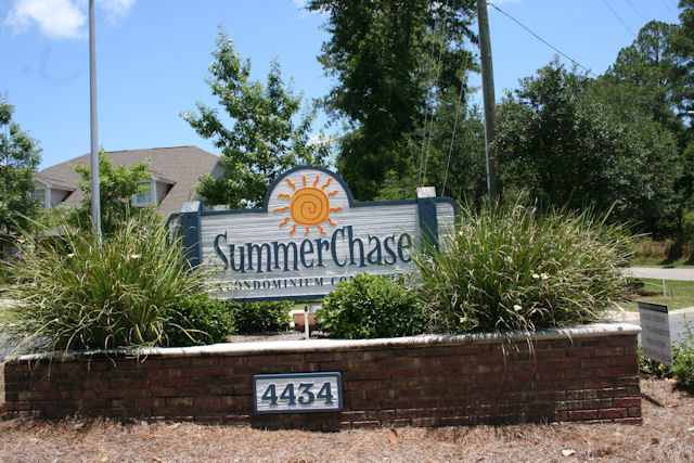 sUMMERCHASE-SIGN